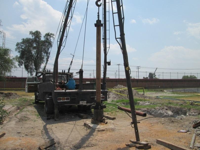 Instalación del equipo de aforo en el Pozo BAYER Santa Clara, Municipio de Ecatepec de Morelos, Estado de México.